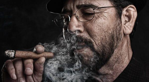 Как нужно курить сигару