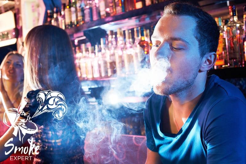 Курение кальяна