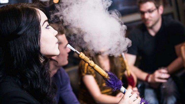 Кальян или сигарета: что вреднее?